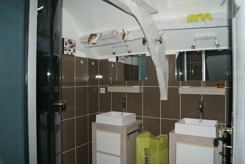 salle de bain brive la gaillarde tendance d co tuiles. Black Bedroom Furniture Sets. Home Design Ideas